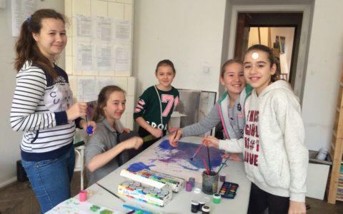 kurs plastyczny dla dzieci krakow, kurs rysunku dla dzieci i młodzieży, kreatywny sposób na ferie dla dzieci