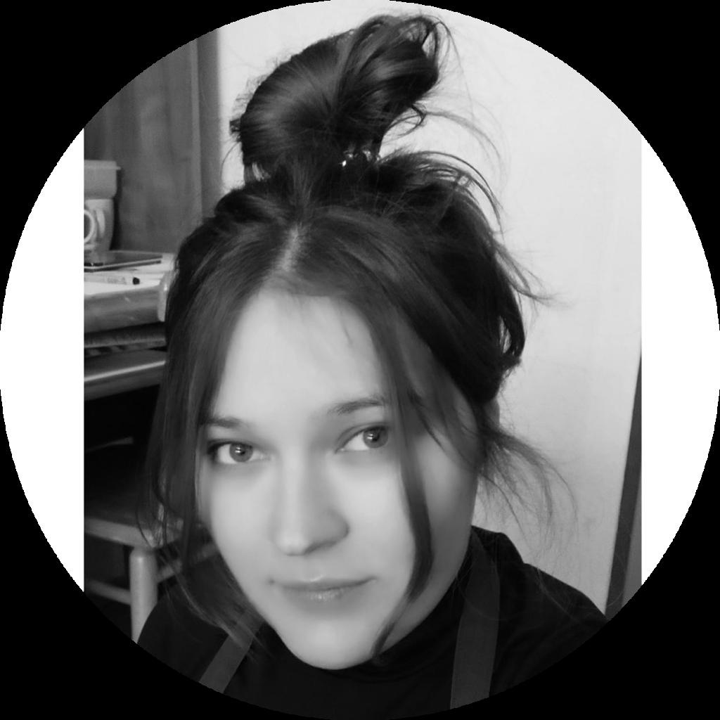 Agata - prowadząca kurs Art & Design